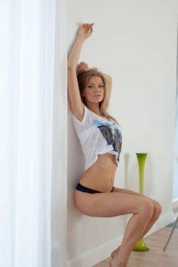 Красивая девушка из Москвы познакомится с мужчиной для интимных встреч